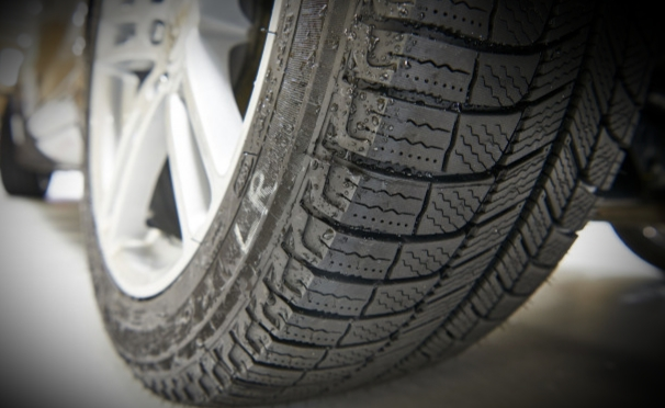 WSDOT Extends Studded Tire Deadline in Washington